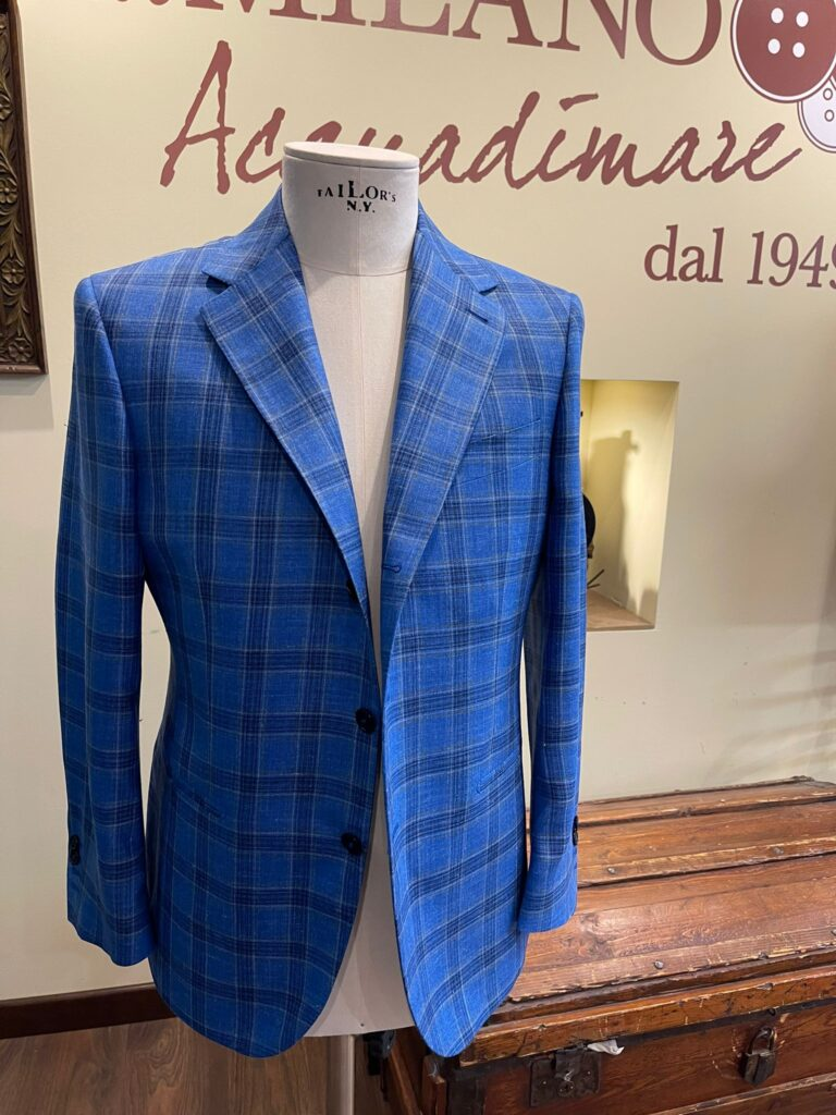 giacca su misura a scacchi blu